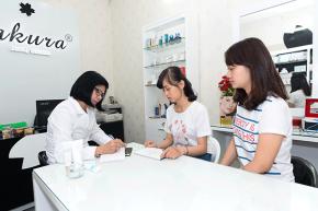 Cách mua mỹ phẩm Sakura chính hãng online