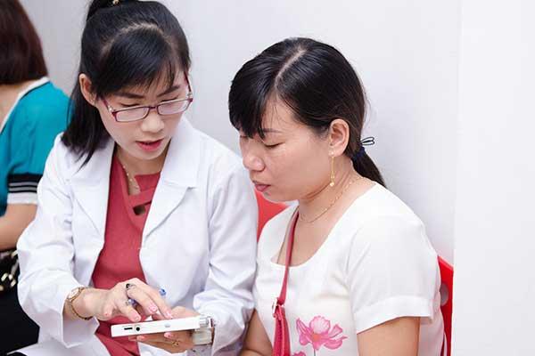 Soi da ở Sakura cùng đội ngũ chuyên gia hàng đầu về da liễu