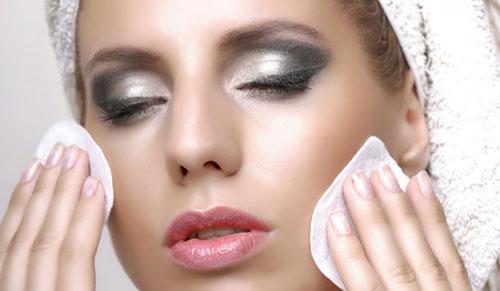Lựa chọn phương pháp tẩy trang hợp với loại da
