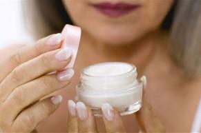 9 thành phần gây hại có trong mỹ phẩm trôi nổi nhất định phải biết