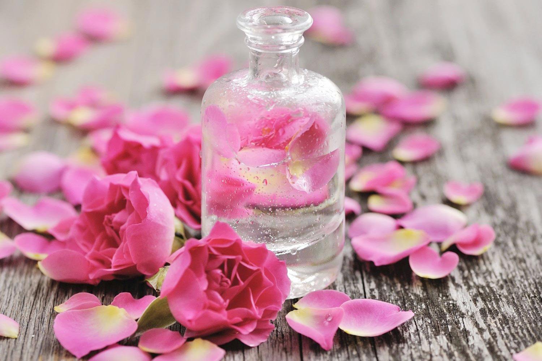 Cách Sử dụng nước hoa hồng mang lại hiệu quả làm đẹp tối ưu nhất