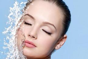 Bí quyết chăm sóc giúp da khô luôn ẩm mịn, mềm mướt suốt cả ngày