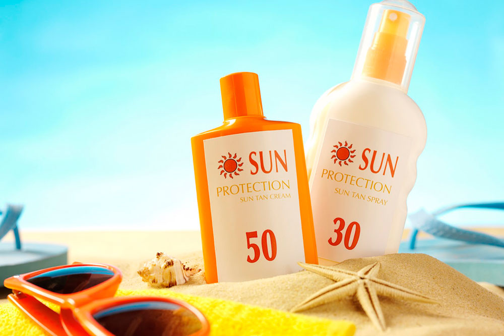 Sử dụng kem chống nắng sai cách trong mùa hè dễ khiến da nổi đầy mụn