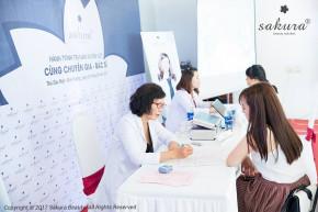 Chỉ sau 2 tháng đã có gần 2000 chị em được soi khám da và tư vấn điều trị nám miễn phí cùng bác sĩ