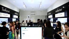 Hàng trăm phụ nữ đội mưa đến khai trương showroom Sakura Bình Dương