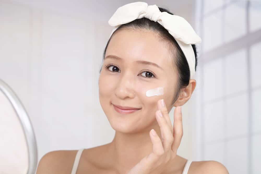 5 bước đơn giản tại nhà giúp da sạch mụn ngày nắng nóng