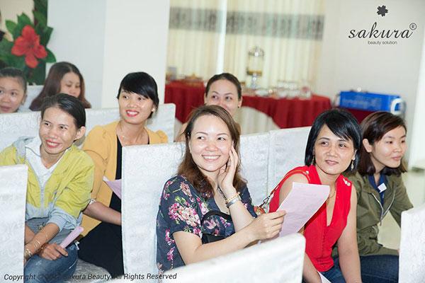 Hanh-trinh-tri-nam-xuyen-Viet-tiep-tuc-cap-ben-Ninh-Kieu