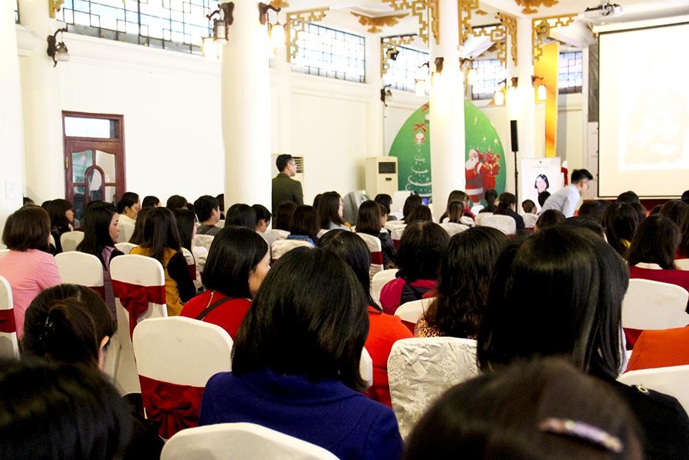 Hơn 500 chị em được tư vấn và điều trị nám miễn phí