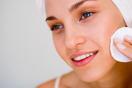 Những bước cần thiết để xử lý và ngăn ngừa mụn ẩn dưới da