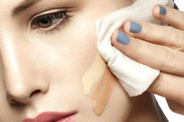 Sự khác nhau giữa sản phẩm tẩy trang và sữa rửa mặt là gì