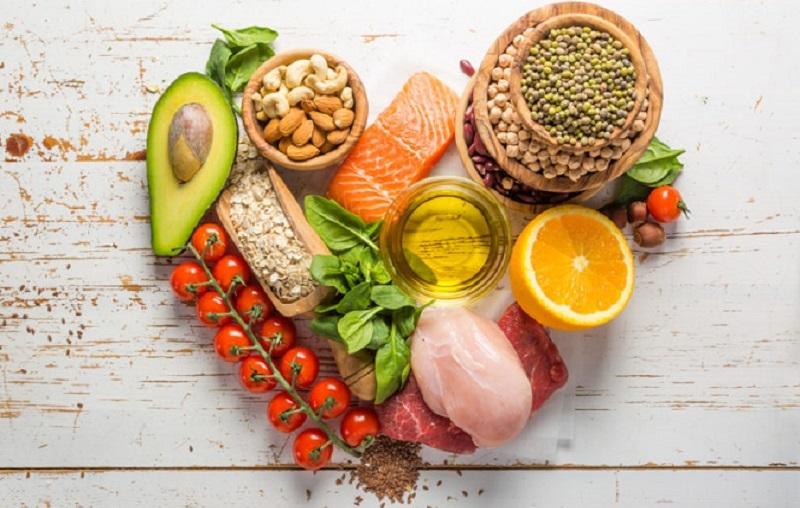 chế độ ăn uống lành mạnh cho da sạch mụn
