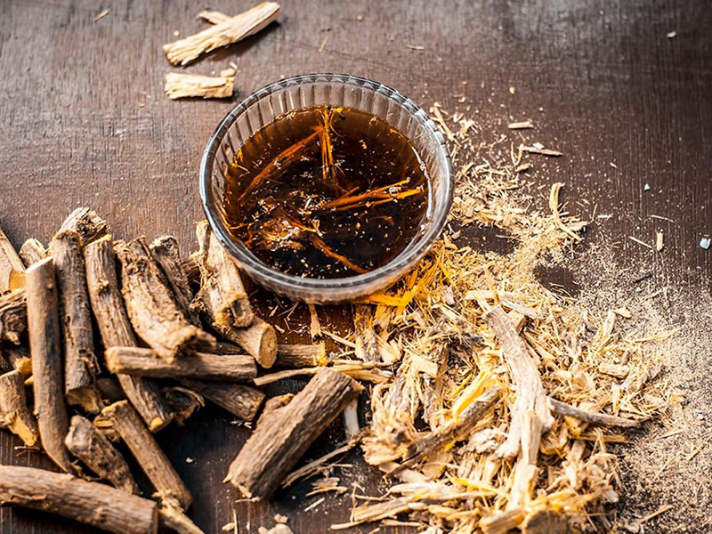 Điều trị bệnh viêm loét dạ dày, tá tràng lâu năm với chất xuất cam thảo