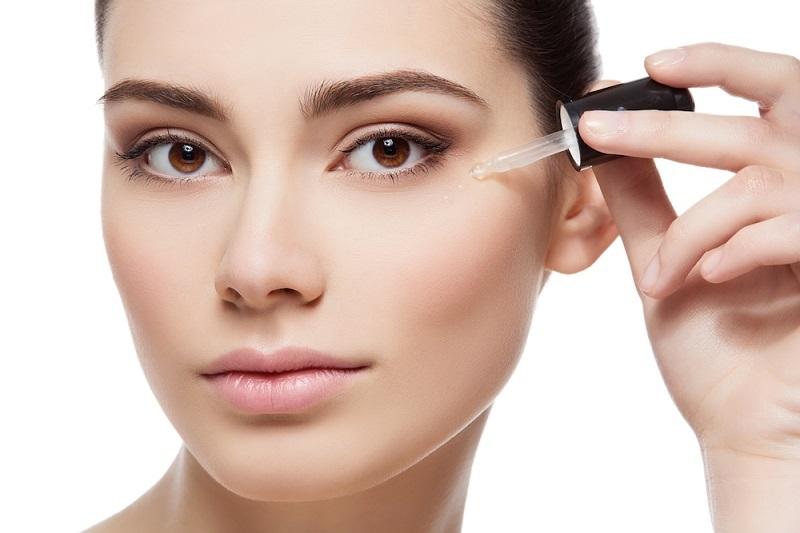 sử dụng serum giúp da hấp thụ dưỡng chất một cách tối đa