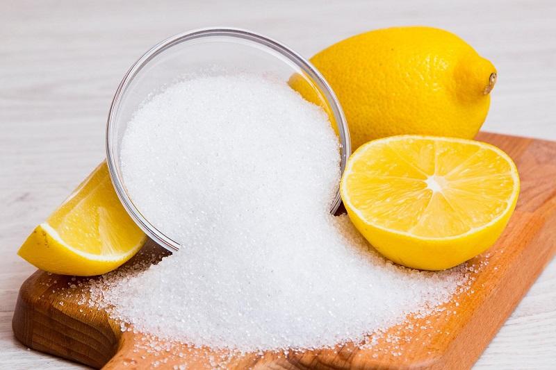 toner chứa citric chất tự nhiên có trong trái cây vị chua như chanh